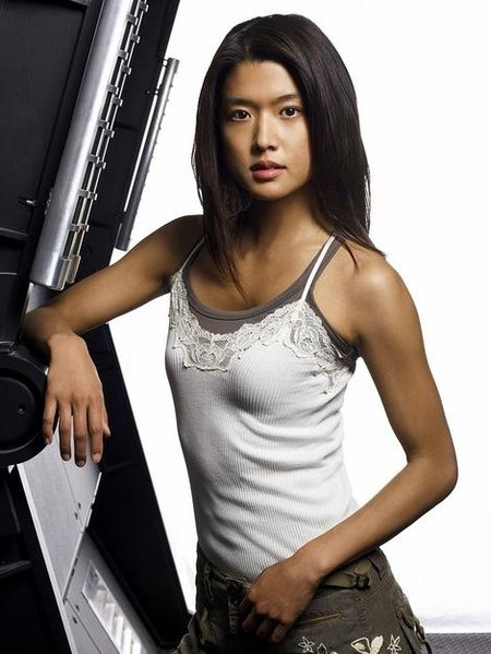 Born in Los Angeles, California, Park & her family moved to Canada when she was 22 months old. She was raised in the Vancouver neighbourhood of Kerrisdale. Grace Park graduated from Magee Secondary in 1992 & holds a degree in psychology from the University of BC.