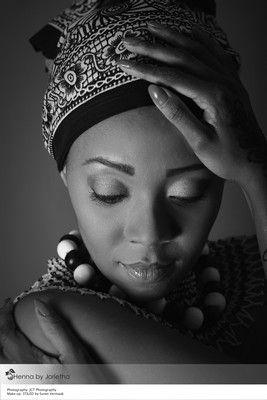 https://www.pinterest.com/hennabyjorietha/henna-african-styled-shoot/