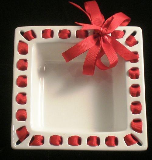 Prissy Plate Napkin Holder