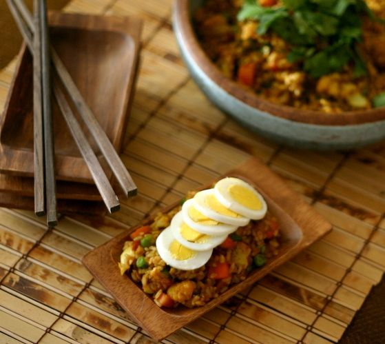 The Food Matters Project: Curry Fried Rice with Hard-Boiled Eggs