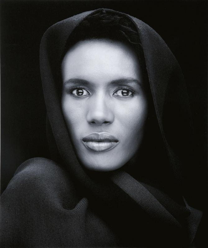 Robert Mapplethorpe (Grace Jones) I just don't believe she was ever from this planet.  Beautydish, hochfrontal mit Diffusor
