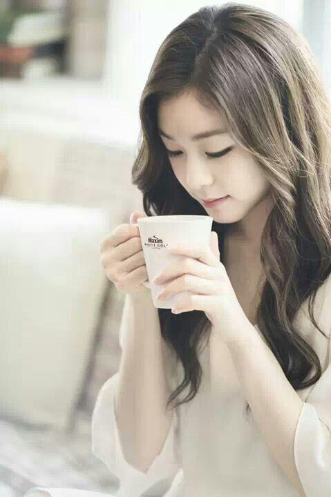 Yuna Kim--athlete, model, gorgeous