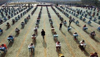 В Китае проходят выпускные экзамены с участием дронов | Head News