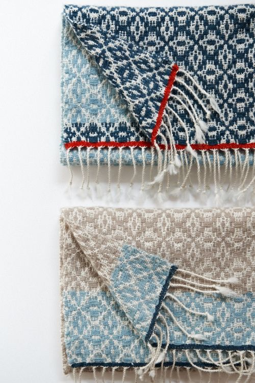 Overshot blankets http://tsubamekobo.jugem.jp