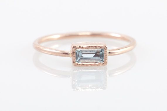 Aguamarina el anillo de compromiso de 14 k rosa rectangular