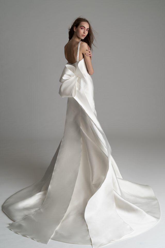 Rowling Rivini 2019 Square Neckline Sculpted Corset Gown
