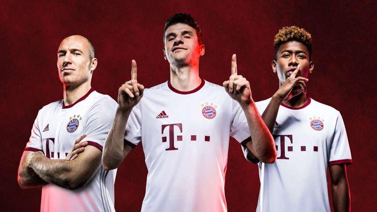 München - Der FC Bayern München hat das neue Champions-League-Trikot für die Saison 2016/17 präsentiert. Fortan werden Kapitän Philipp Lahm und Co. in edlem Weiß-Rot an den Start gehen.