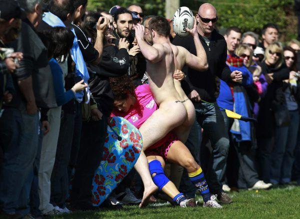 http://www.20min.ch/sport/dossier/rugbywm/story/Erste-Niederlage-fuer-nackte-Rugby-Spieler-10801035