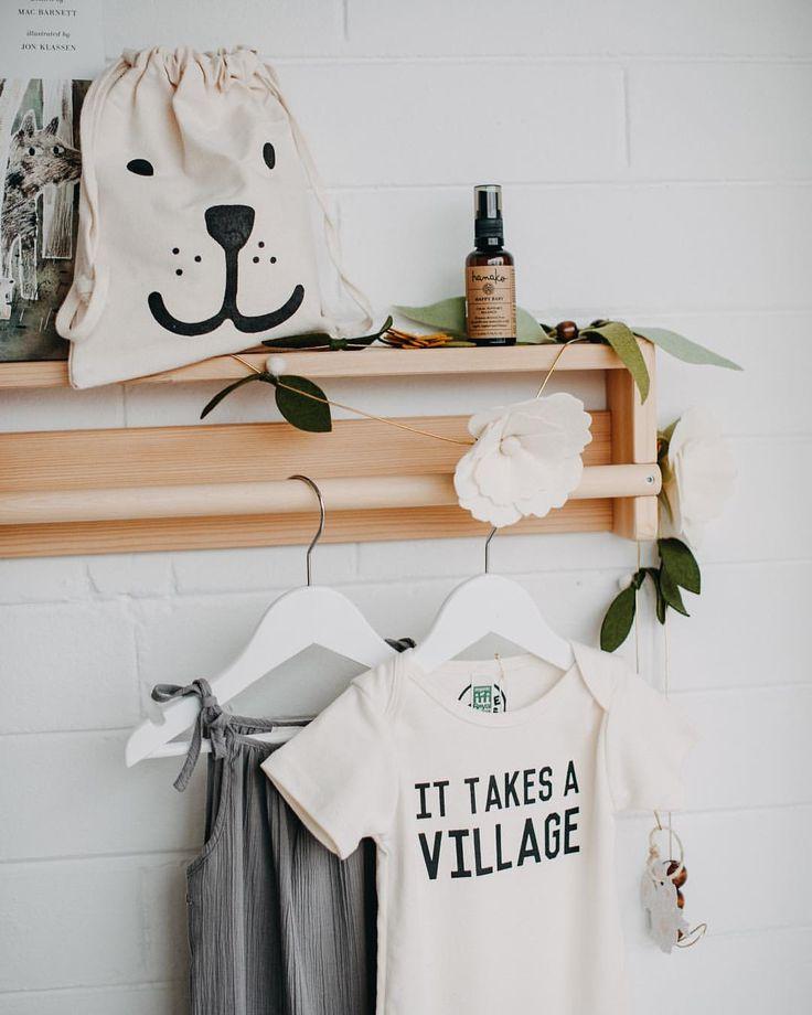 "32 gilla-markeringar, 4 kommentarer - Tiny Folk Co. (@tinyfolkco) på Instagram: ""Nursery details! We are open 10 - 4 today!! #tinyfolkco #nurserydetails #nurserydecor…"""