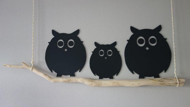 Wanddecoratie: uilen van MDF op berkentak