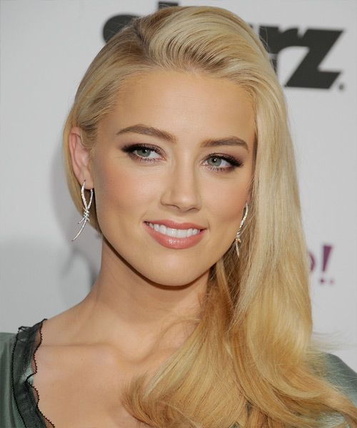 Amber Heard is in my opinion the most beautiful woman in the world!! I would die to look like her!!