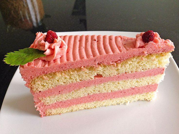 Erdbeer - Vanille - Buttercreme, ein gutes Rezept aus der Kategorie Cremes. Bewertungen: 275. Durchschnitt: Ø 4,7.