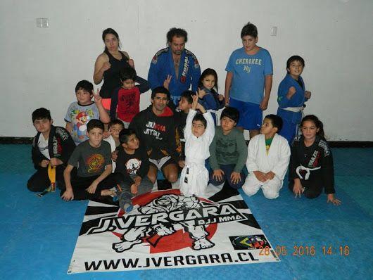Entraniamiento de niños BJJ academia J. Vergara, Sensei Rodrigo Vergara www.jvergara.cl