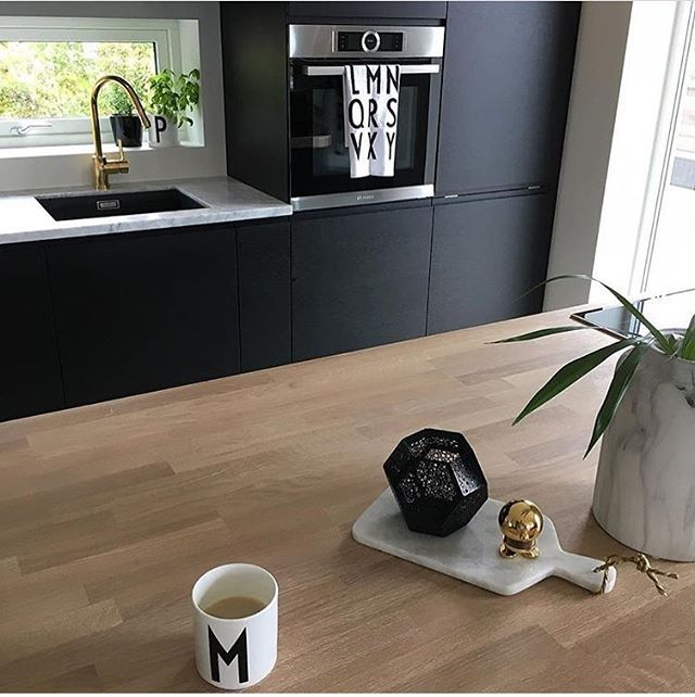 M is for Monday...I swear it was Friday only 5 minutes ago! Have a great week Insta friends PC: @villalille . . . #interiors #interiors #interiordesign #interior123 #interior4all #interiorwarrior #interiør #home #homedecor #homedecoration #homedesign #homestyle #nordic #nordichome #nordicinspiration #nordicliving #scandinaviandesign #scandinavian #scandinavianliving #interiorstyling #white #whitehome #simplestyleco #marble #kitchen #kitchendesign #kitchendecor #matteblack #designletters…