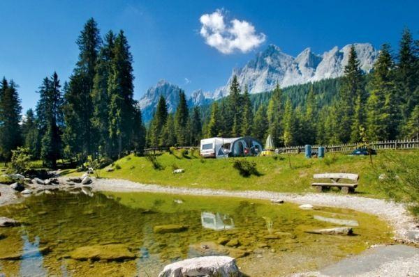 Caravanpark Sexten im Land der drei Zinnen, Südtirol Dolomiten, Italien