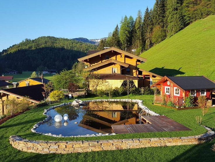Der Naturschwimmteich von Apartment Steinplatte ist fertig! Wir freuen uns auf einen schönen und freundlichen Sommer. Viel Spass und Entspannung in Waidring.