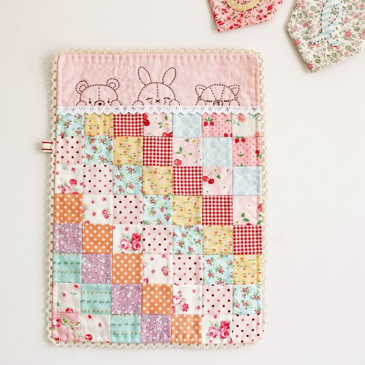 very cute quilt: Quilting Ideas, Embroidery Pattern, Sleepy Time, Sweet, Dolls, Baby Quilts, Mini Quilts, Time Doll