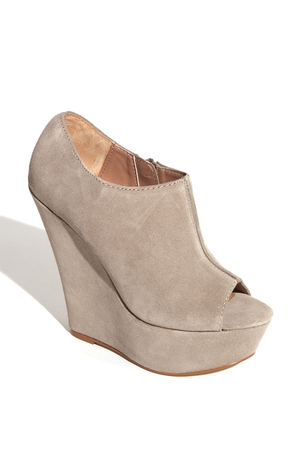 oooh i want these in this color too