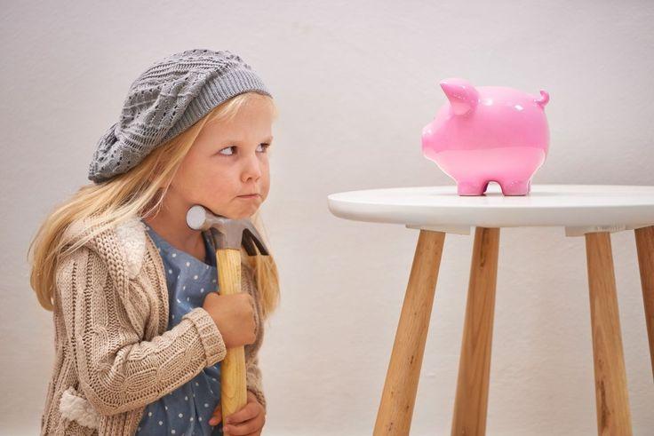 Taschengeldtabelle und Co: Alle Infos zum Thema Taschengeld für Kinder | Taschengeld, ja, aber ab wann? Was davon kaufen - und vor allem: Wieviel ist angemessen? Hier haben wir alle Informationen samt Taschengeldtabelle für Euch zusammengestellt, damit Ihr eine fundierte Taschengeldempfehlung an der Hand habt.