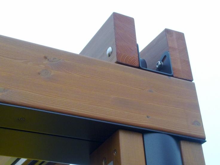 Pergole din lemn Elite, pergole pavilion Gibus cu structura lemn, acoperis retractabil si sistem de drenare integrat in profile. Pergole de exceptie la un pret excelent. Foto detalii pergola.