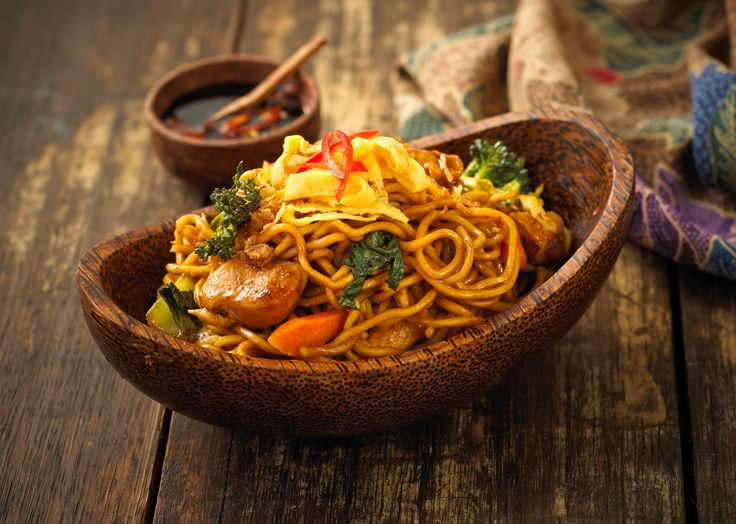 I ate Mi Goreng for breakfast in Bali pretty much every morning with a fried egg on top...soon good! Bakmi goreng recipe is an easy Indonesian Stir-Fried Noodles that is a street-food classic! Serve it piping hot with some chicken and kecap manis, to perfect your Straits dish!