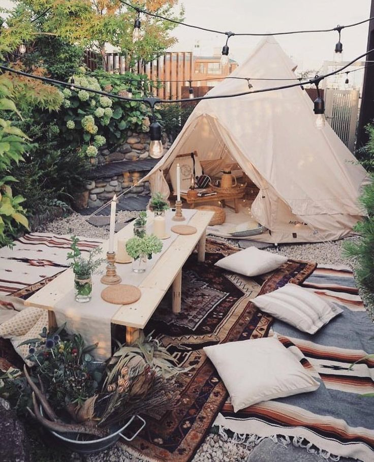 Bohemian outdoor setting | party decor | #bohemian #outdoordecor