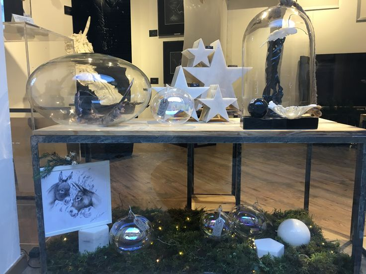 BOTTEGA D ARTE - open on Christmas weeks and on Friday Saturday Sunday from 9am to 1 pm and from 3.3 pm to 7 pm #arte #regali #aeabellagio #natale #artgallery #artgallerybellagio#marble#stars#stelle#marmo#regalatiunastella#gift#bottega aexperientiaartisbellagio