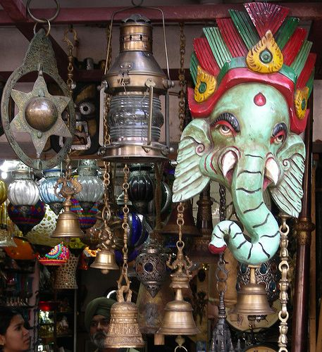 8 Best Delhi Markets for Fabulous Shopping