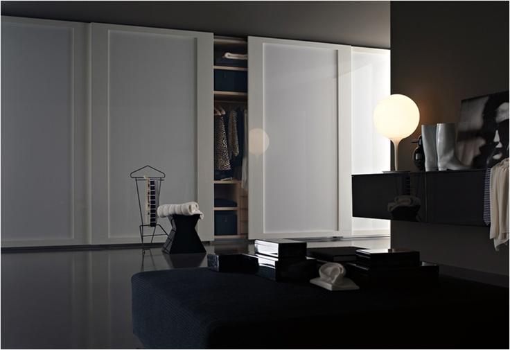Armarios Lema, puerta corredera Riquadro. Muebles de diseño.