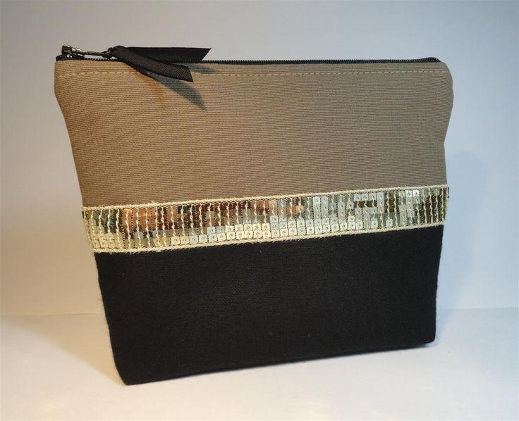 pochette bicolore noire et beige et galon paillettes or : Trousses par mademoiselle-rose