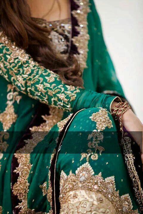 Enchanting Emerald Green ! love her golden work on green o.o