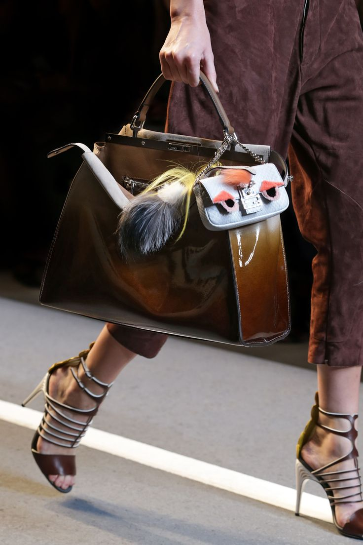 Fendi spring summer 2015 runway bag collection spotted fashion - A Detail Of The Fendi Spring Summer 2015 Collection Look 34
