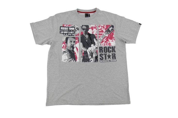 Koszulka w kolorze szarym z dużym nadrukiem z przodu. Dla Panów o dużych rozmiarach. Skład: 100% bawełna.