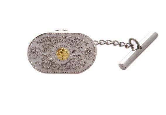 Tie Tack (20mm Gold Boss) #houseoflor #irishjewelry #irishgold #tietack #sterlingsilver #arda #handmade #celticjewelry