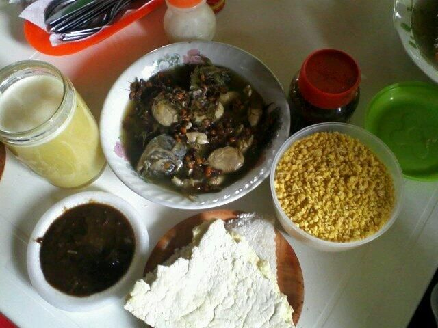 """Delicious """"Ijtco"""" #traditionalUitoto dish. #Amazon #indigenouscooking #indigenousfood pic.twitter.com/C3J1zJlv8b"""