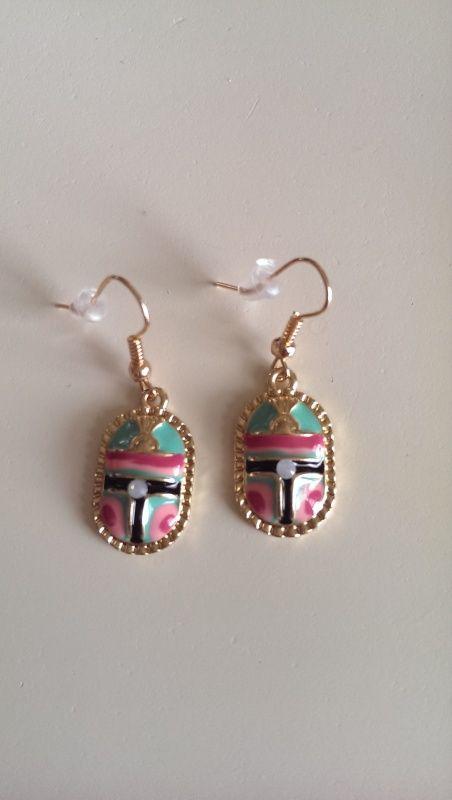 Ibiza oorbellen, hanger roze/turquoise | Oorbellen | DamesTic Leuke Ibiza style oorbellen. Kleur goud, zwart, roze, turquoise.
