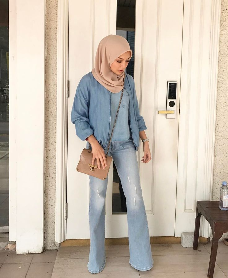 """129k Likes, 768 Comments - Noor Neelofa Mohd Noor (@neelofa) on Instagram: """"It's not Friday blues, it's Friday mood! Keeping my OOTD minimal today I'm so glad we are back…"""""""