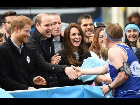 William, Harry & Kate cheer on London Marathon runners