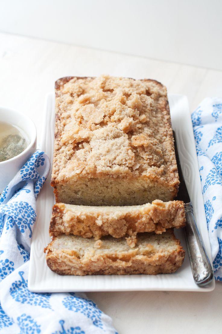 Streusel-Topped Banana Bread ~ looks yummy @Elizabeth Lockhart Amendolar @Jessica Sutton Amendolar