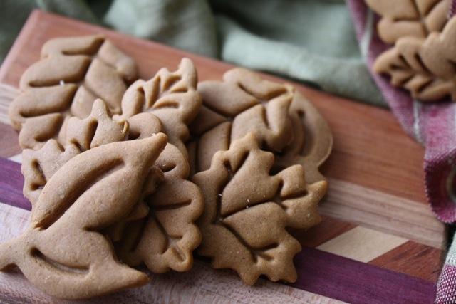 The Traveling Spoon: Colonial Williamsburg Gingerbread Cookies (12 Weeks of Christmas Cookies - Week 4)
