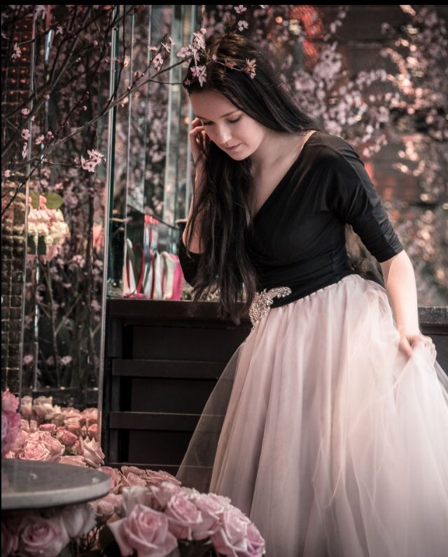 Muotikuun tyllihame #Muotikuu tulle skirt #roses #ruusut #Paris #Pariisi #photographer: Juuso Santala