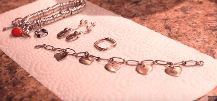 SilverJewelryonPaperTowel | The Secret to Quickly and Easily Removing Tarnish from Silver Jewelry