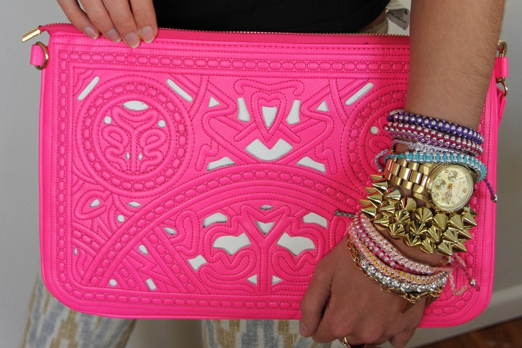 This amazing clutch will also be in BLACK! Available this April! <3 www.trendabelle.com