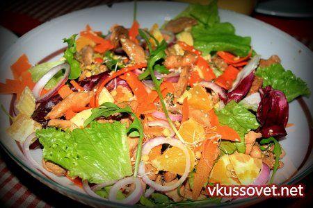 Полезный салат из пророщенной сои и курицы. Китайский.