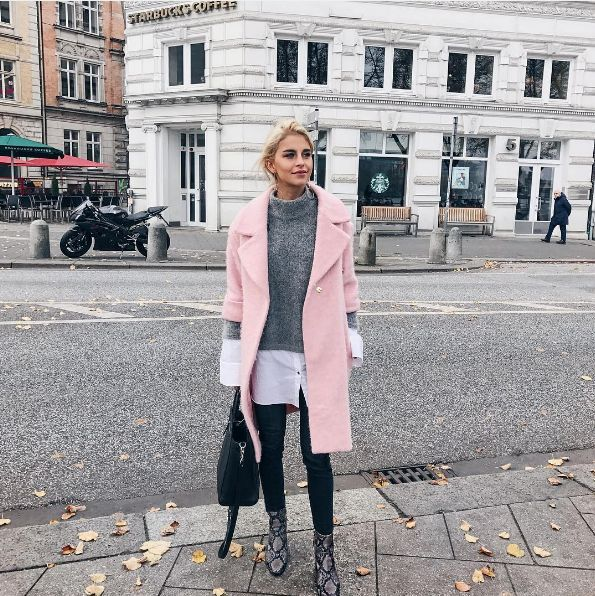 7 fall outfit ideas to copy from this week's best fashion blogger Instagrams: Caroline Daur in a light pink coat