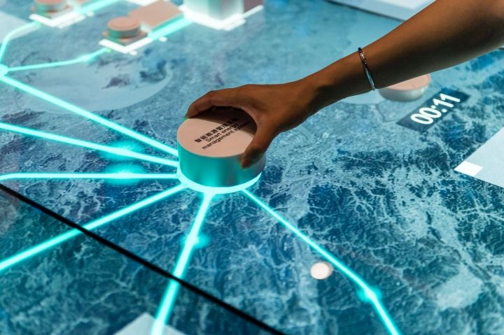 """Die """"Digitale Beschilderung"""" eröffnet ein neues Zeitalter der interaktiven…"""