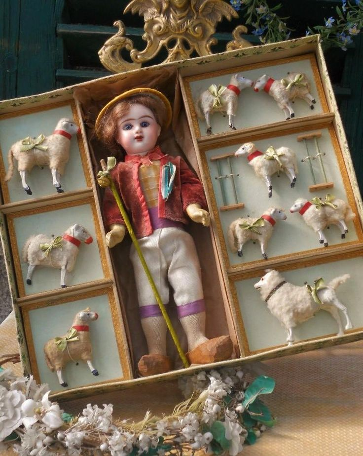 ~~~ Lovely ' Jolie Bergerie ' Presentation Box with Etrennes Catalog ~~~
