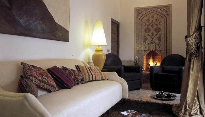 http://www.design-remont.info/2011/09/13/morocco-style-authentic-livingroom/