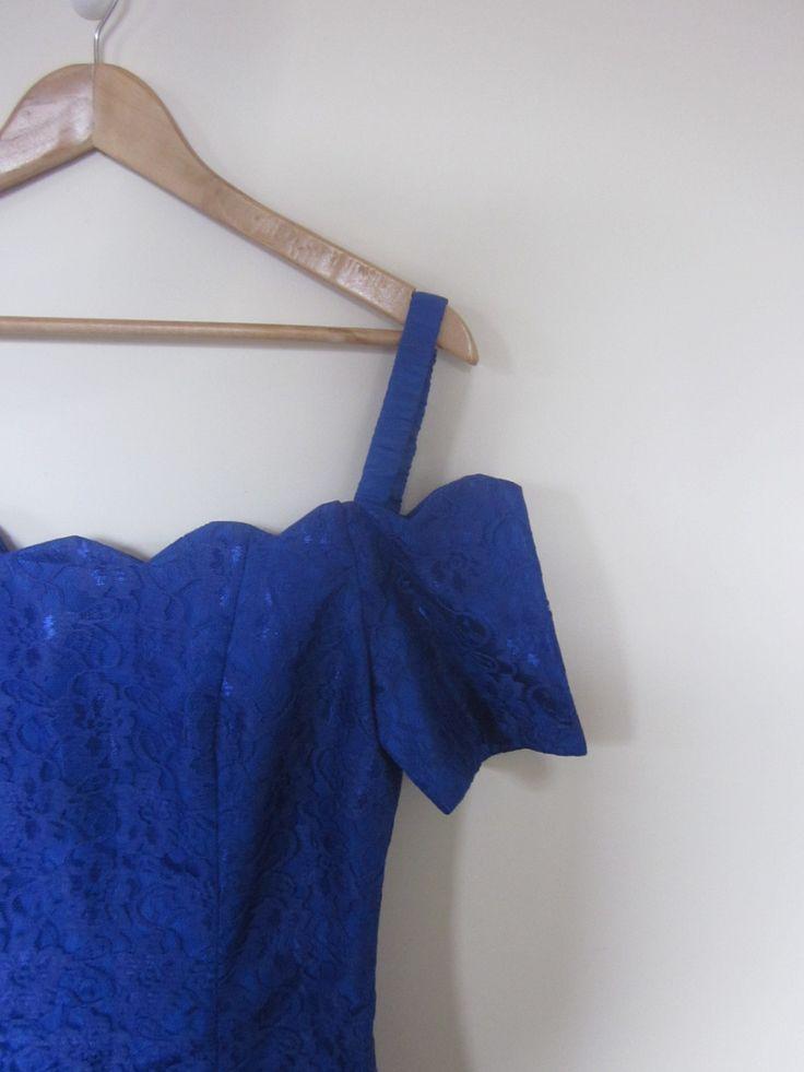 VINTAGE authentic 80s original retro electric royal blue lace cocktail party dress (equiv sz us 6, uk au nz 10, eu 38) by shopblackheart on Etsy