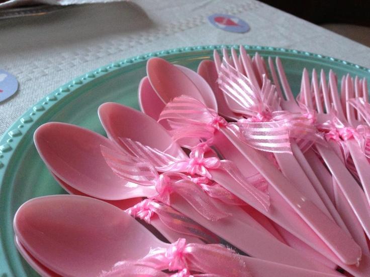 Cucharas y tenedores